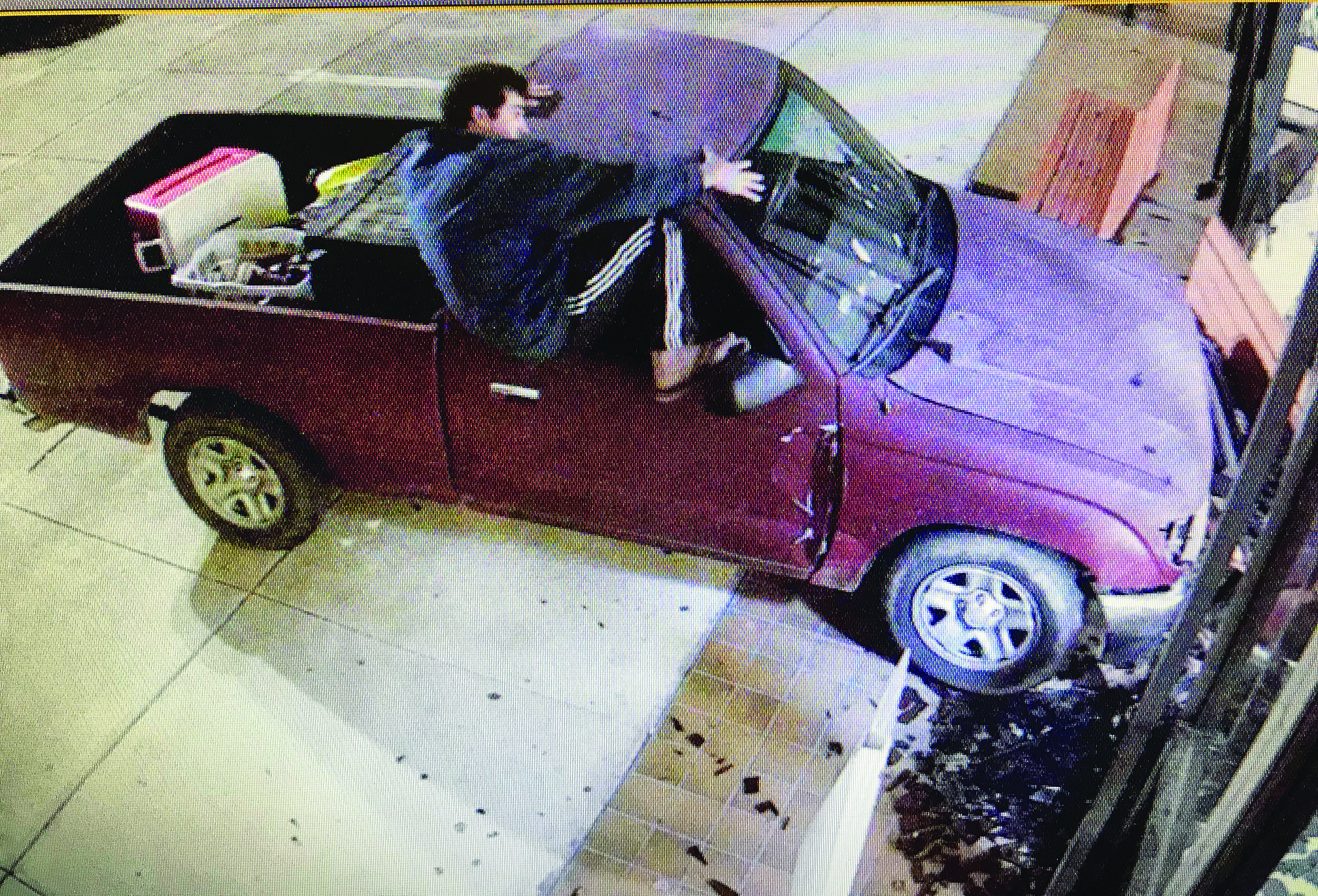 VEHICLE CRASHES INTO THE HARRISON COUNTY COURTHOUSE