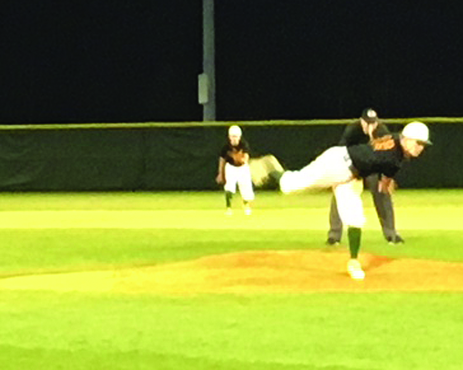 Hurricanes Sweep Bearcats From the Mound