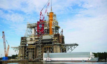 Stennis Team Succeeds in Heavy-Lifting Work